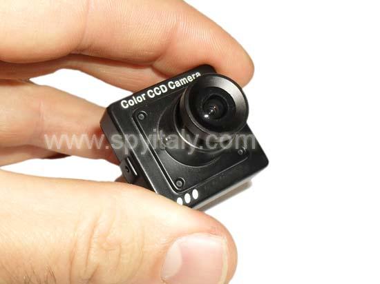 M30-COL-OSD - microcamera CCD altissima risoluzione 600 linee